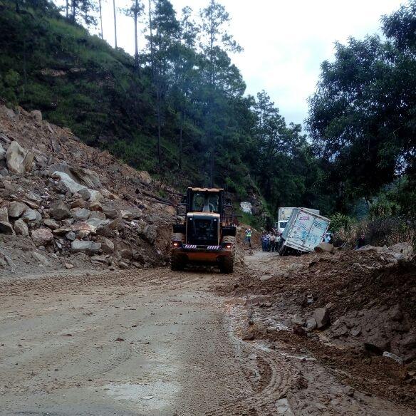 Derrumbes, hundimientos e inundaciones afectan a Guatemala