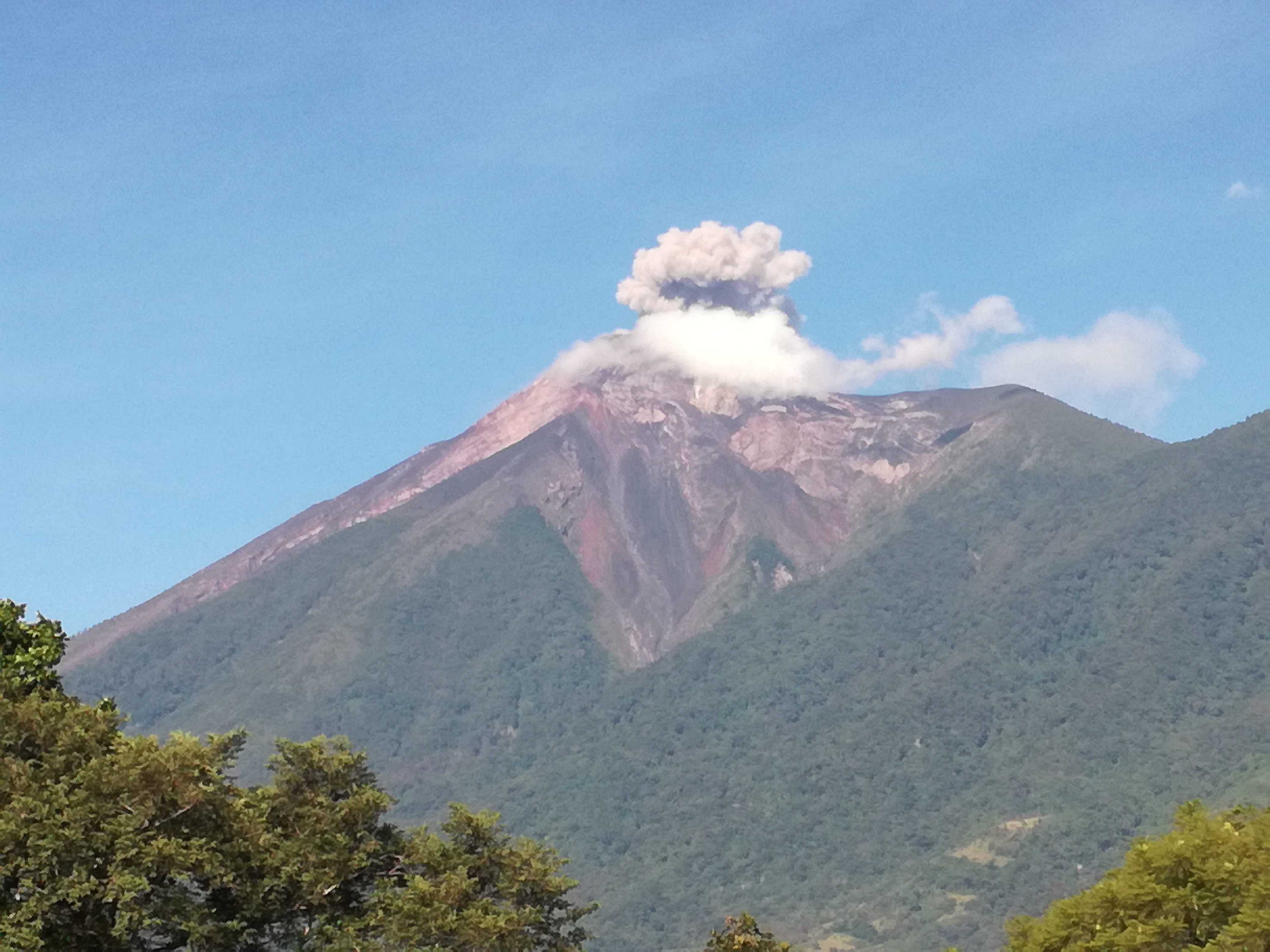 """Inicia """"Proyecto a la emergencia por la erupción del Volcán de Fuego"""""""